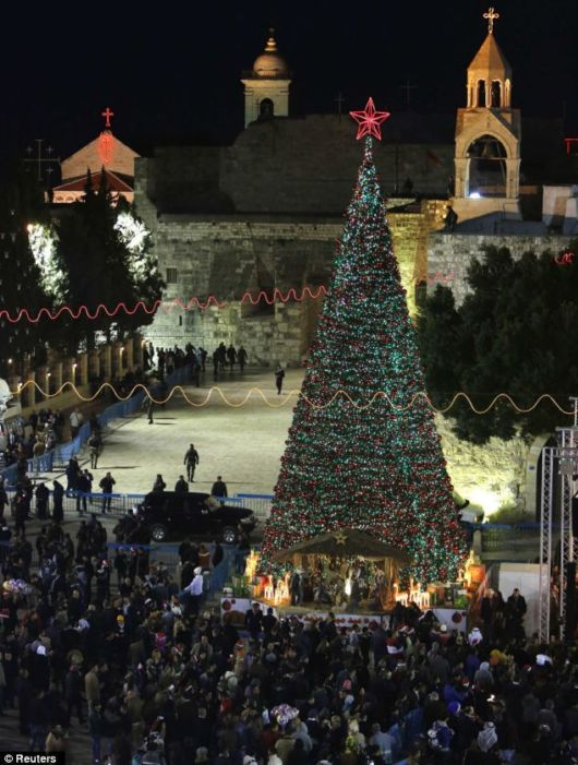 How The World Celebrated Christmas 2012