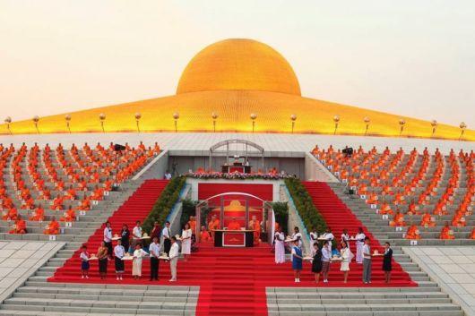 Beautiful Wat Phra Dhammakaya Temple Thailand Funzug Com
