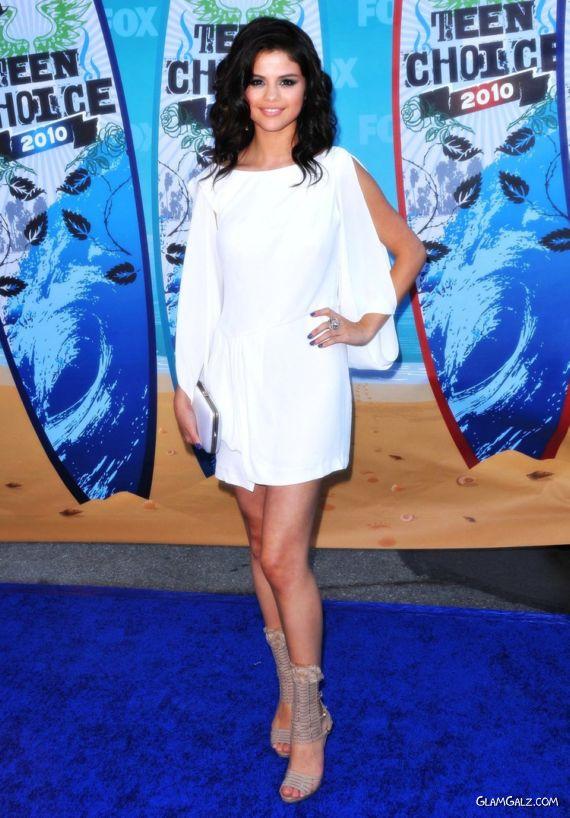 Sweet Selena Gomez At Teen Choice Awards