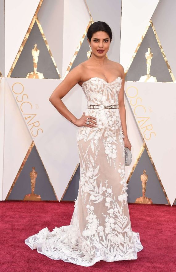 Priyanka Chopra Makes Oscars Debut, Walks Red Carpet