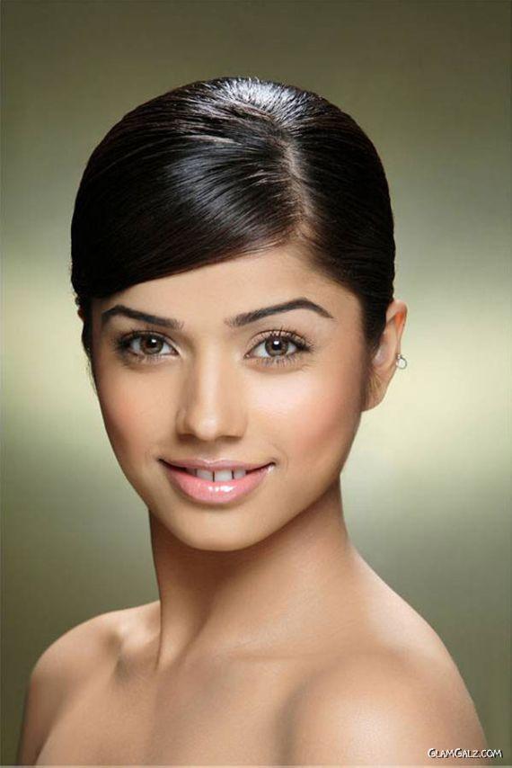 South Indian Actress Aparna Bajpai