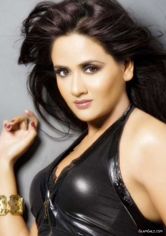 Actress Parul Yadav Photo Gallery