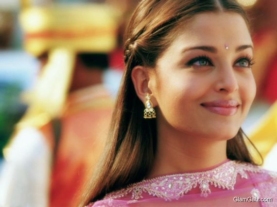 Click to Enlarge - Best Aishwarya Rai Wallpapers