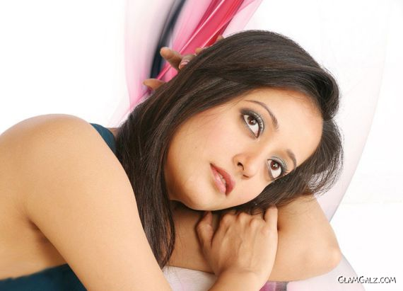 Click to Enlarge - Beautiful Raima Sen Wallpapers